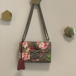 Gucci Blooms Supreme Small Padlock Bag